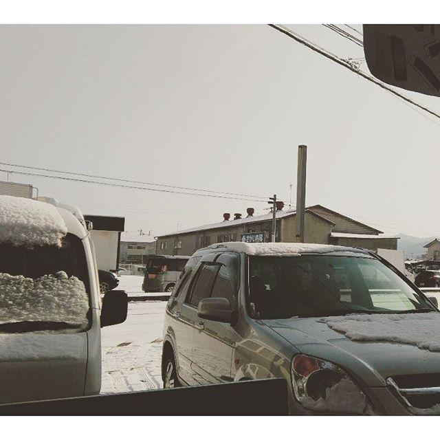 大寒波〔≡_≡;〕24日は大丈夫だったと安心していたら・・・ 道路は大変な事に #雪 #福山市 #神辺町 #大渋滞